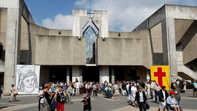 Lourdes Eglise Sainte Bernadette