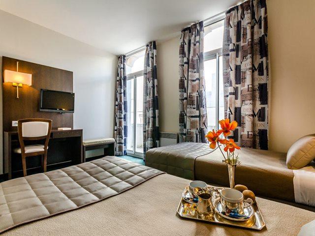 Lourdes hotel Croix des Bretons (1)