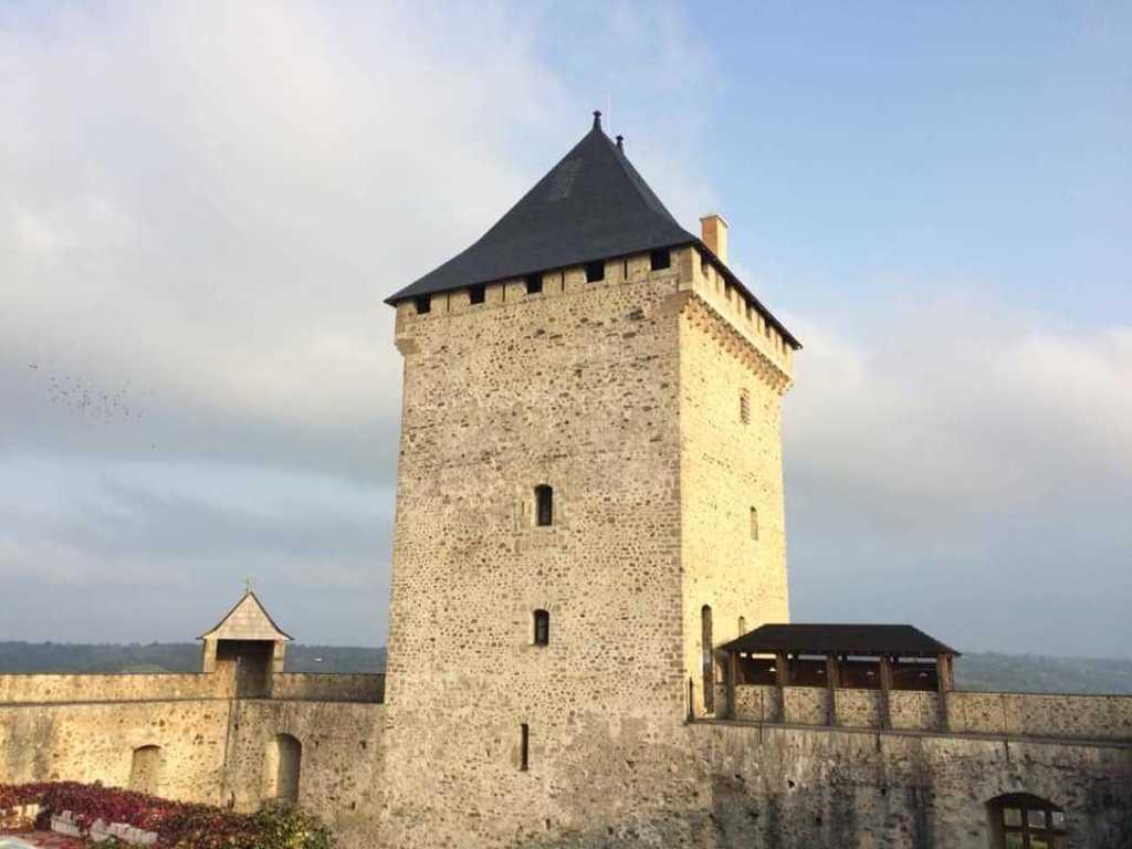 chateau donjon