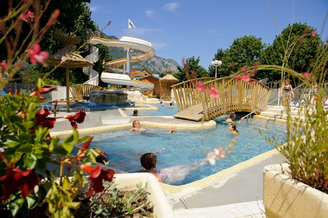 Camping la bergerie office de tourisme vall e d 39 argel s for Camping pyrenees atlantique avec piscine