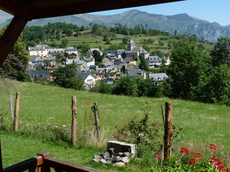 Camping les chataigniers arcizans avant campings des for Camping haute pyrenees avec piscine
