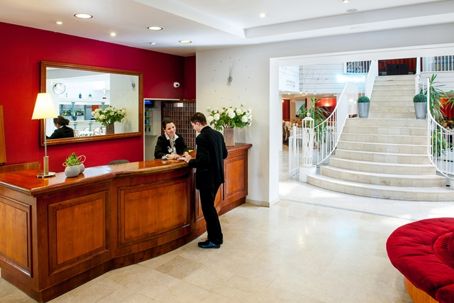 Beliebt HOTEL SAINT SAUVEUR - Hotels Lourdes - Lourdes Tourist Office MT59