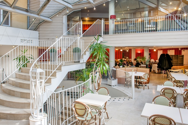 HPH109-Bar.Hotel Saint Sauveur.Lourdes