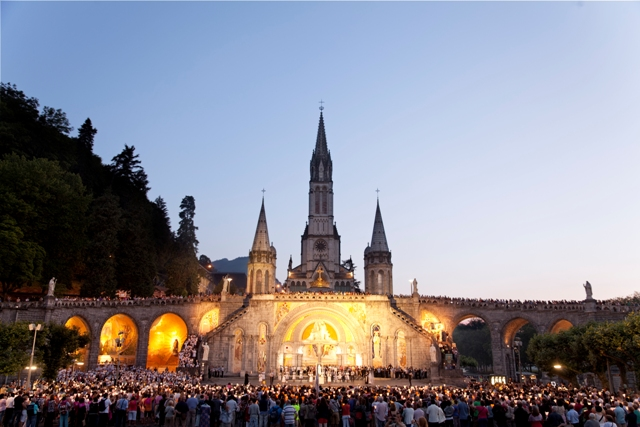 Lourdes Sanctuaire pèlerinage