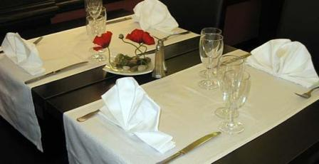 PALACIO Table